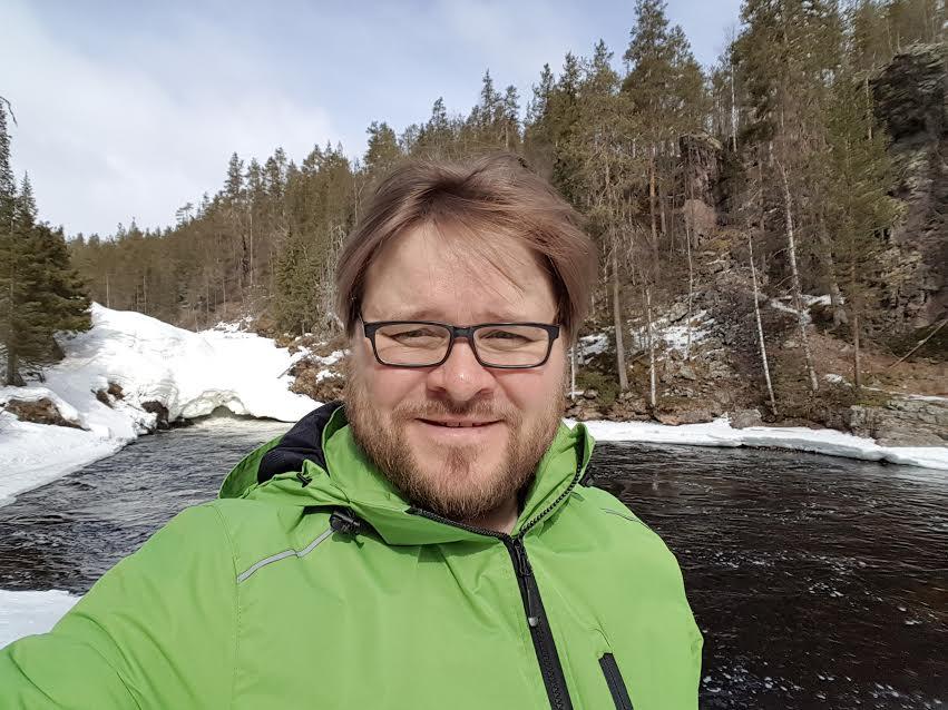 Mika Flöjt: terveiset puolueen puheenjohtajaehdokkaalta